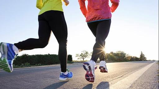 Yoğun egzersizlerden önce ne zaman ve ne yediğinizi planlamak, fitness ve yemekle sağlıklı bir ilişki kurmanıza yardımcı olabilir.